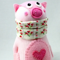 Sewinthemoment Sock Dolls Nini the pig