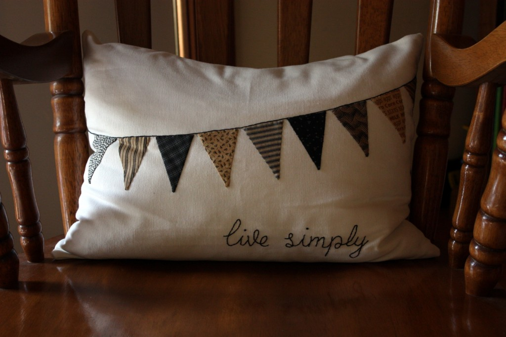 """""""live simply"""" cushion by sew-in-the-moment"""